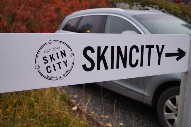 Skincitys parkering i Täby