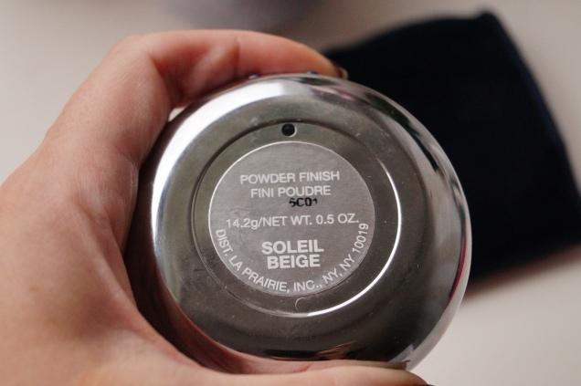 Färgen Soleil Beige är mycket att ha som nedmattande puder i min handväska