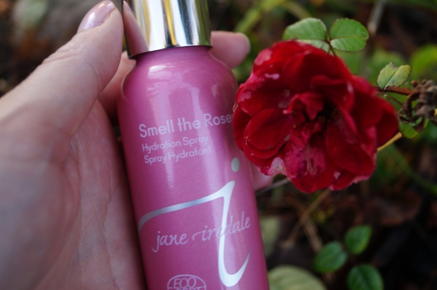 Jane Iredale Hydrating Spray Smell The Roses