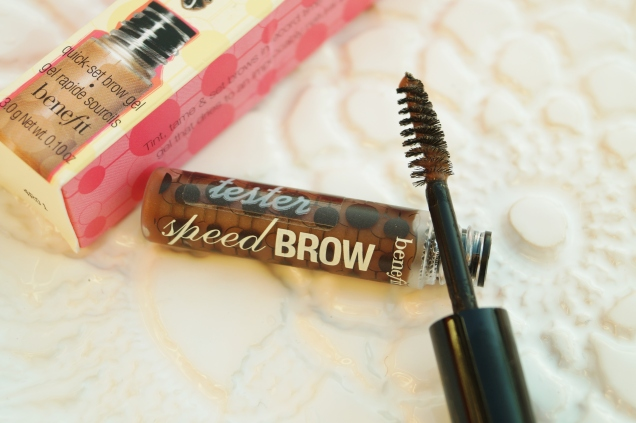 Quick-set brow gel från Benefit