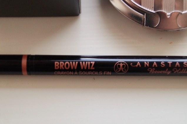 Favoriten Browwiz i Taupe.
