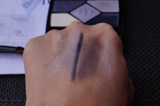 Swatches fr höger: primer, ombre shadow 3, eyeliner,Colour 2,highlighter 4