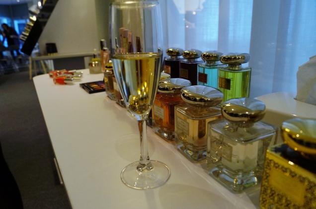 Ett glas champagne och dofter från By Terry, äntligen slog jag till på en parfym!
