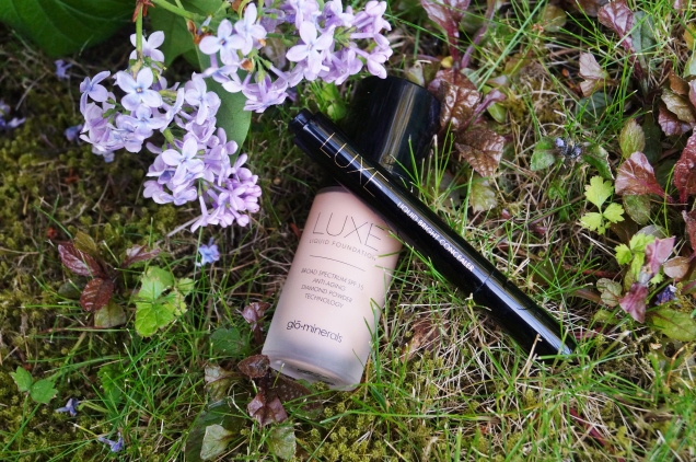 GloMinerals Liquid Foundation LUXE, spf 15.